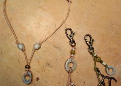 collier et porte clé