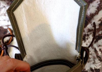 petite sacoche bandoulière doublée tissu verte