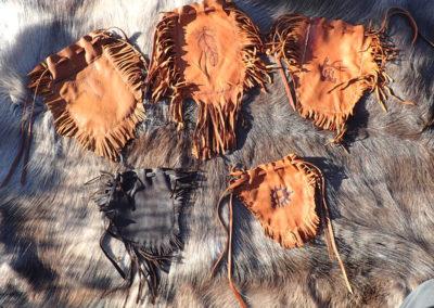 pochettes cuir renne franges pyrogravure