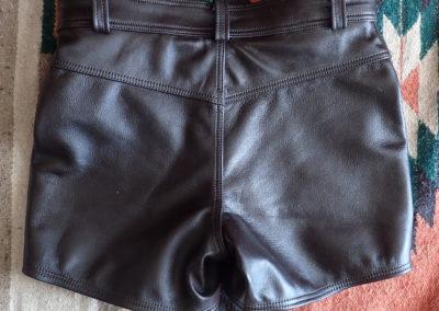short cuir baroudeur