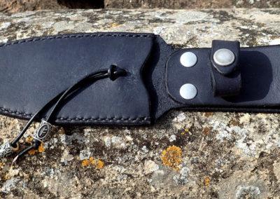 étui couteau cuir noir runes viking artisanal
