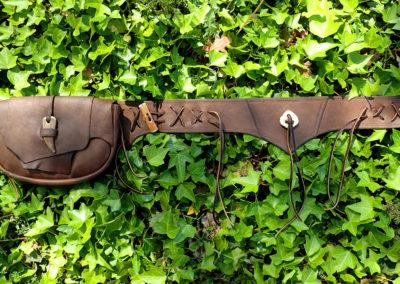 sacoche ceinture cuir bois de renne