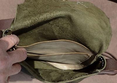sac cuir vert kaki jaspe serti artisanal coutures à la main