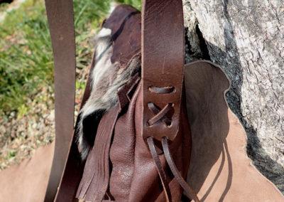 sac bandoulière cuir artisanal fourrure