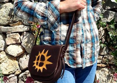 sac bandoulière cuir artisanal soleil