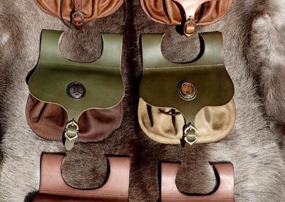 escarcelles cuir médiévale celtique nordique viking, jaspe serti