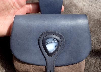 escarcelle pochette de ceinture cuir artisanale médiévale agate dendritique