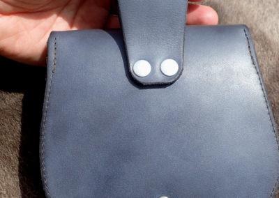 escarcelle pochette de ceinture cuir artisanale médiévale opale dendritique