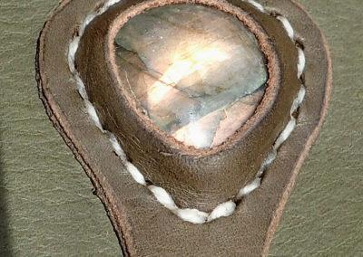 escarcelle pochette de ceinture cuir artisanale médiévale labradorite