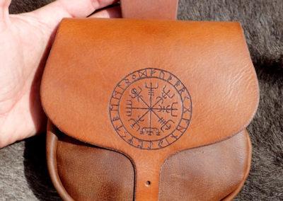 escarcelle pochette de ceinture cuir artisanale vegvisir viking médiéval