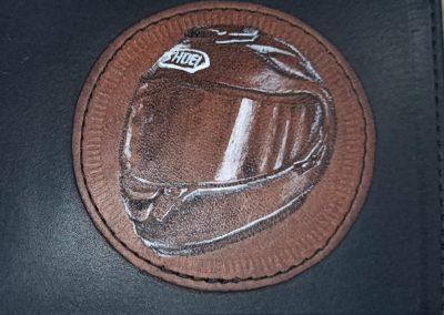 pyrogravure casque moto cuir
